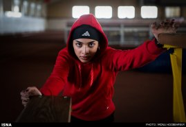 Maryam Tousi - Iranian sprint athlete - 1 - Photo credits Mona Hoobehfekr, ISNA